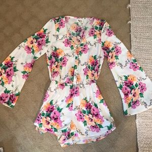 Show me your mumu floral belle sleeve romper